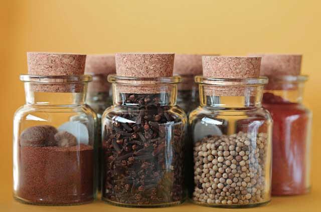 Weisheitszähne Essen - Gewürze sollten mit Vorsicht genutzt werden