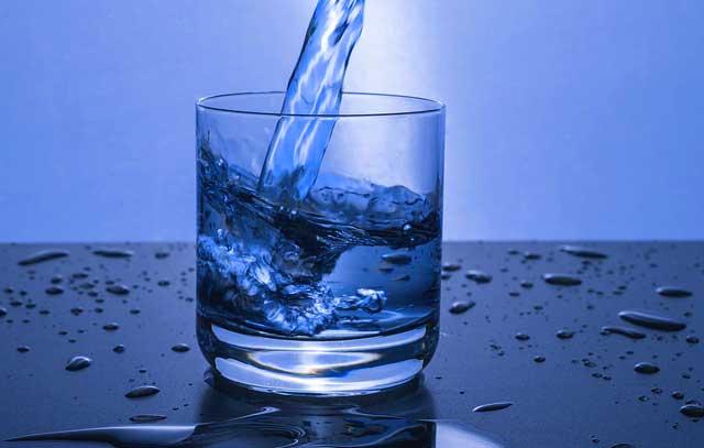 Weisheitszähne Schwellung - Trinken hilft der Heilung